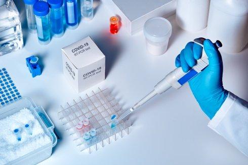 la-ciencia-trabaja-contrarreloj-para-ofrecer-certezas-y-avances-fiables-para-combatir-el-coronavirus_57d2956b_1254x836